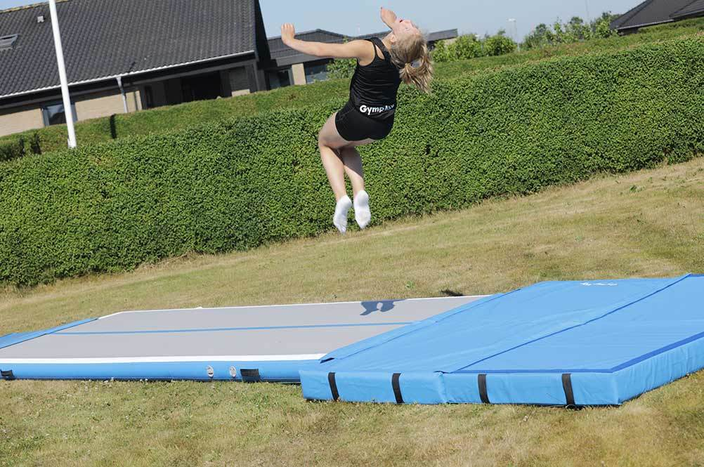 gymplay-airtrack-trainer-h15-back-flip