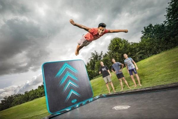 Berg ultim elite flatground trampolin med aerowall