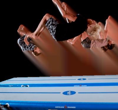 backflip-flyingsuperkids-gymplay-airtrack1